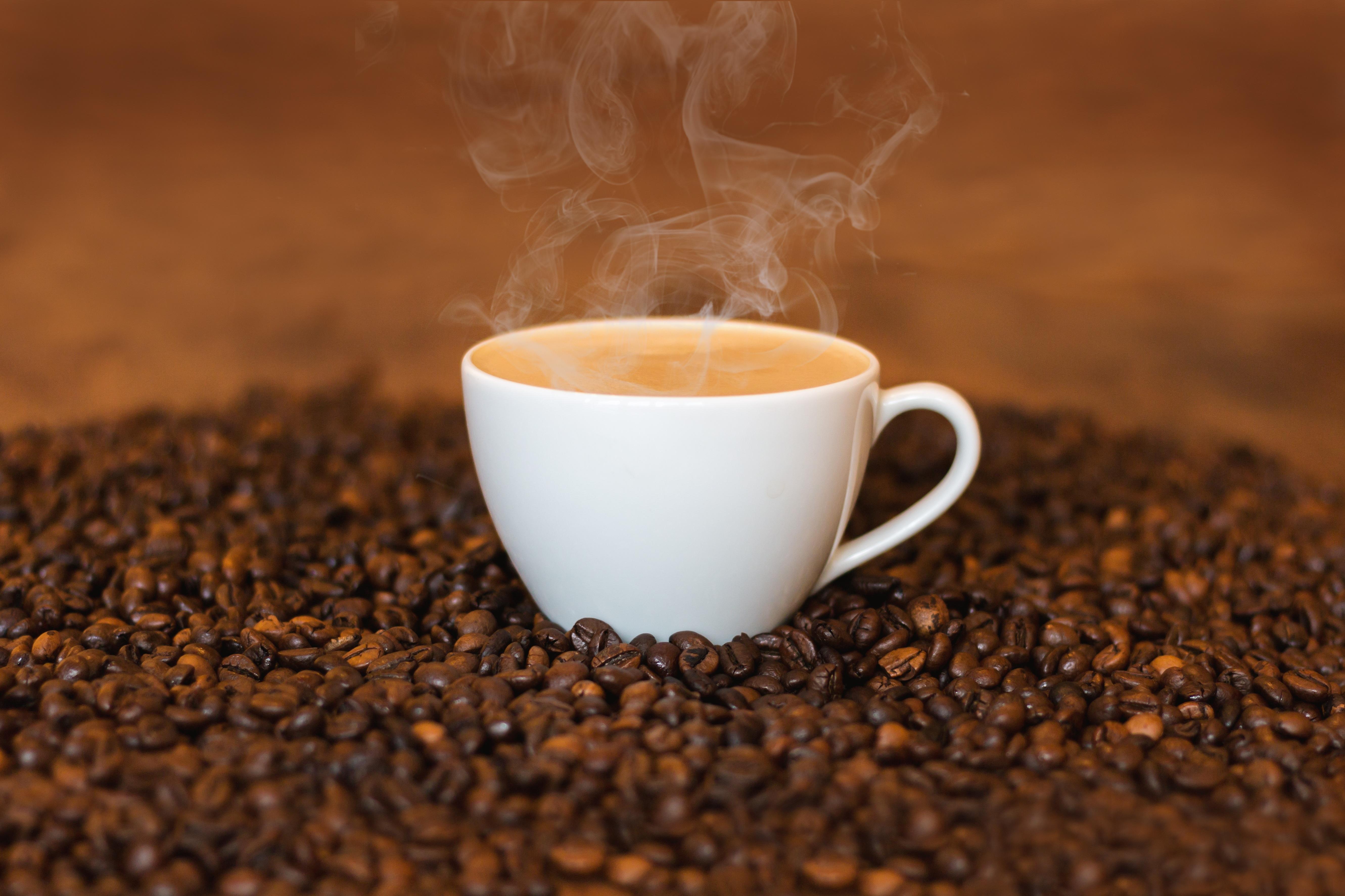 有名チェーンカフェ 1杯のコーヒーの値段をまとめてみた