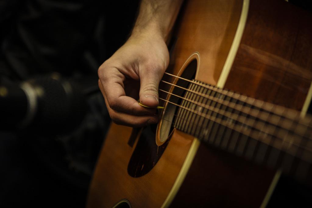 【TAB譜&スコア】アルペジオの弾き語りが合うおすすめ曲まとめ